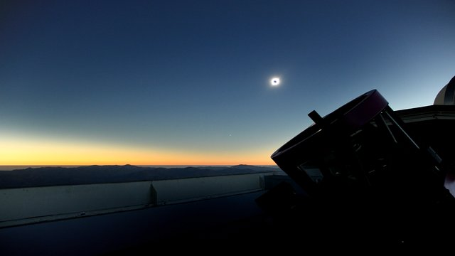 Time-lapse of total solar eclipse from REM