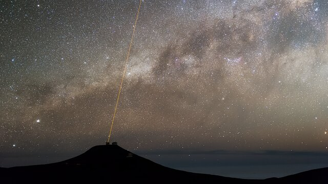 """ESOcast 221 """"in pillole"""": Un telescopio dell'ESO vede i segni della nascita di un pianeta"""