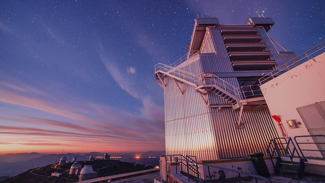 The New Technology Telescope turns in La Silla