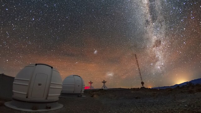Watch the galaxy moves across La Silla
