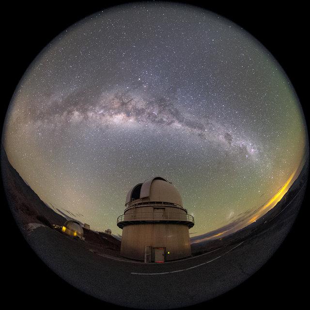 La Silla Danish 1.54-metre telescope time-lapse