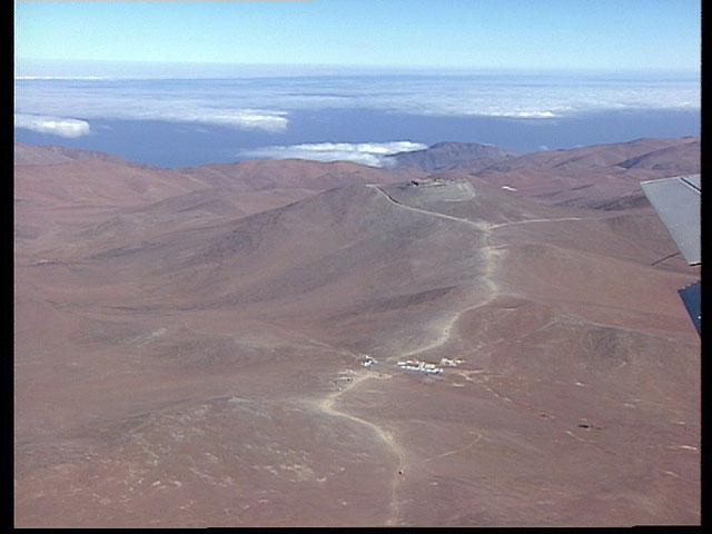 Paranal aerial view1995b