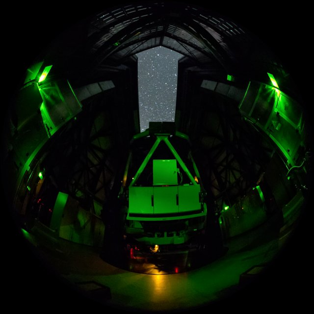 Paranal timelapse inside VST dome