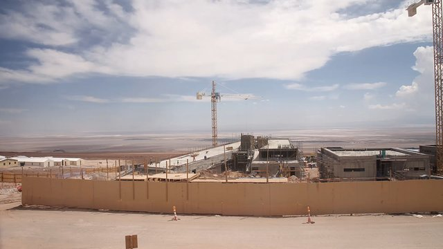 Vídeo time-lapse da construção da Residencia ALMA