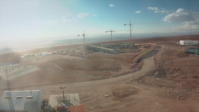 Vidéo accélérée de la construction de la Residencia d'ALMA