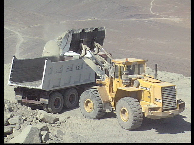 Removing debris from VLT construction, 1991 — clip 3